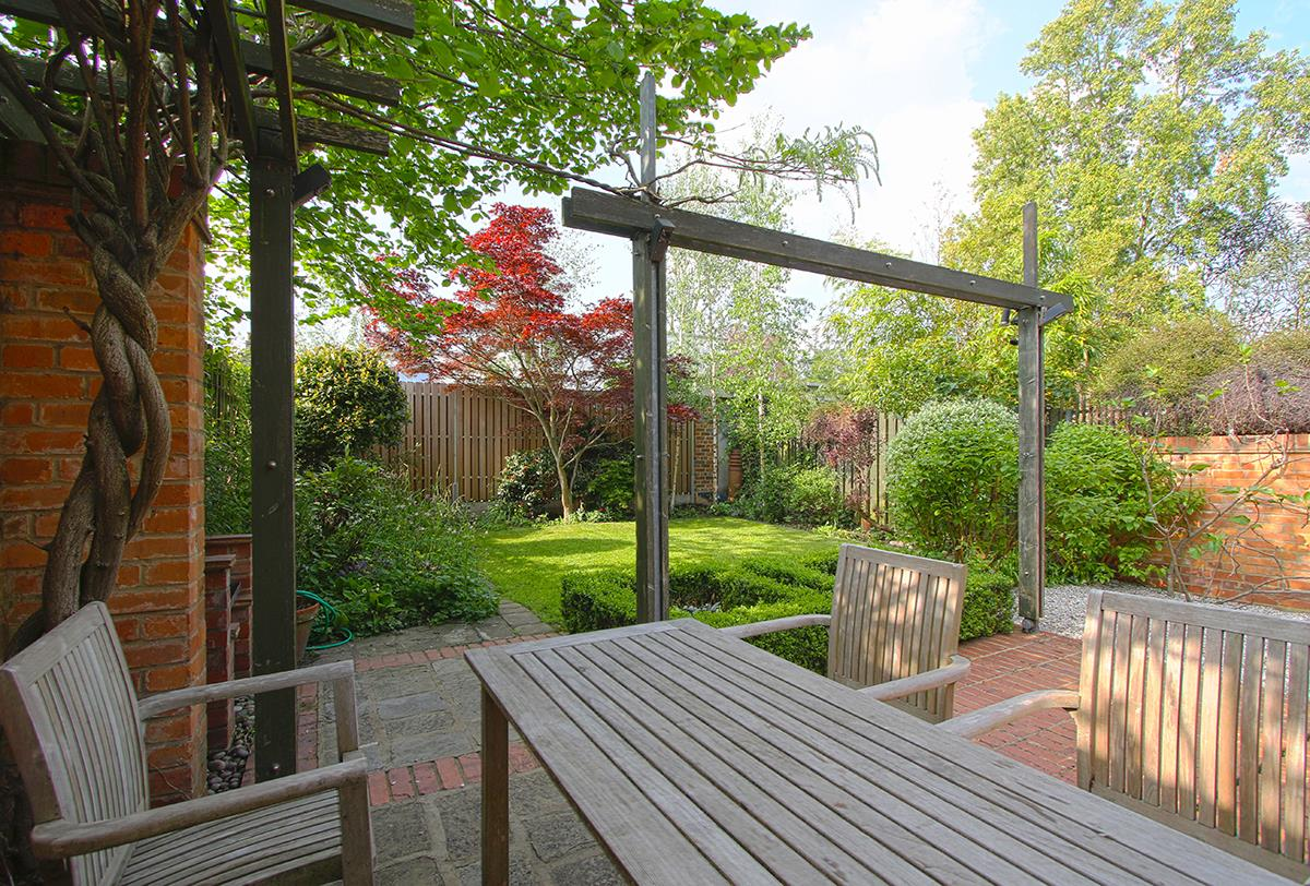 House - Semi-Detached Sale Agreed in Grove Park, SE5 268 view29
