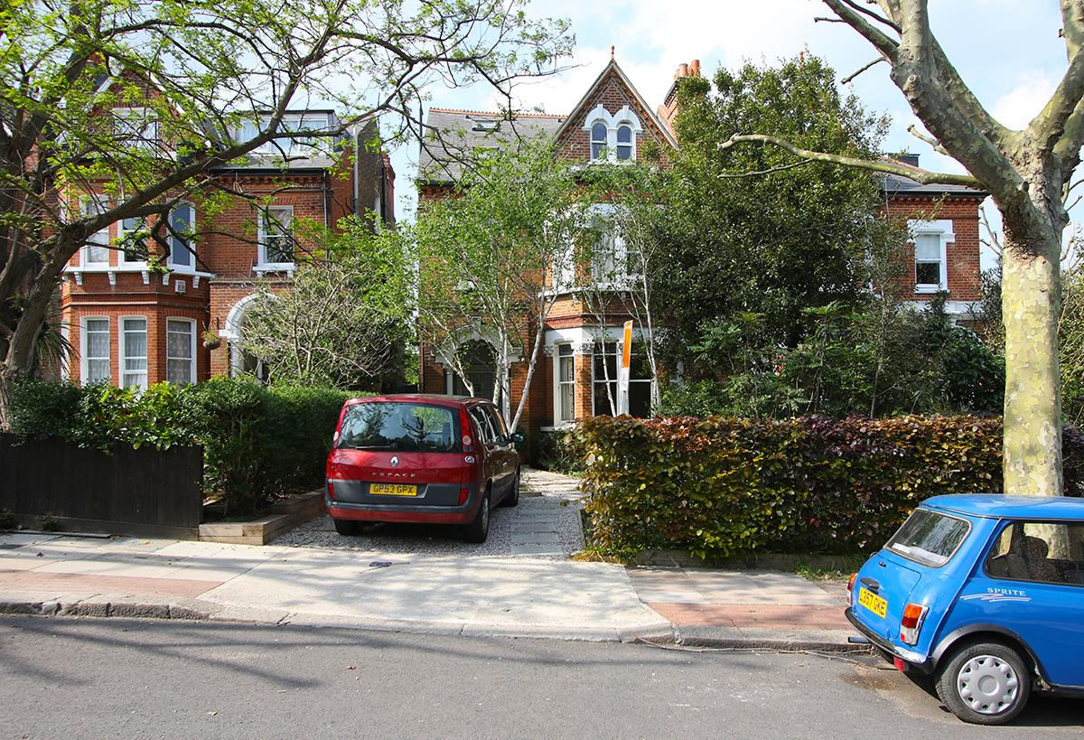 House - Semi-Detached Sale Agreed in Grove Park, SE5 268 view1