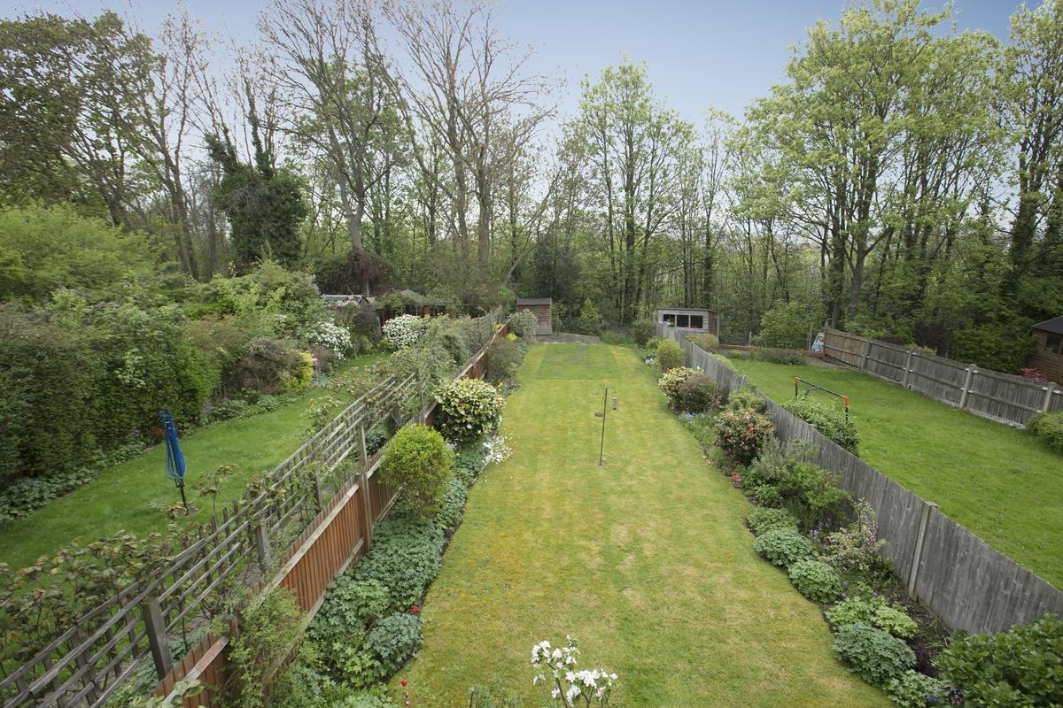 House - Semi-Detached For Sale in Grove Park, SE5 317 view16