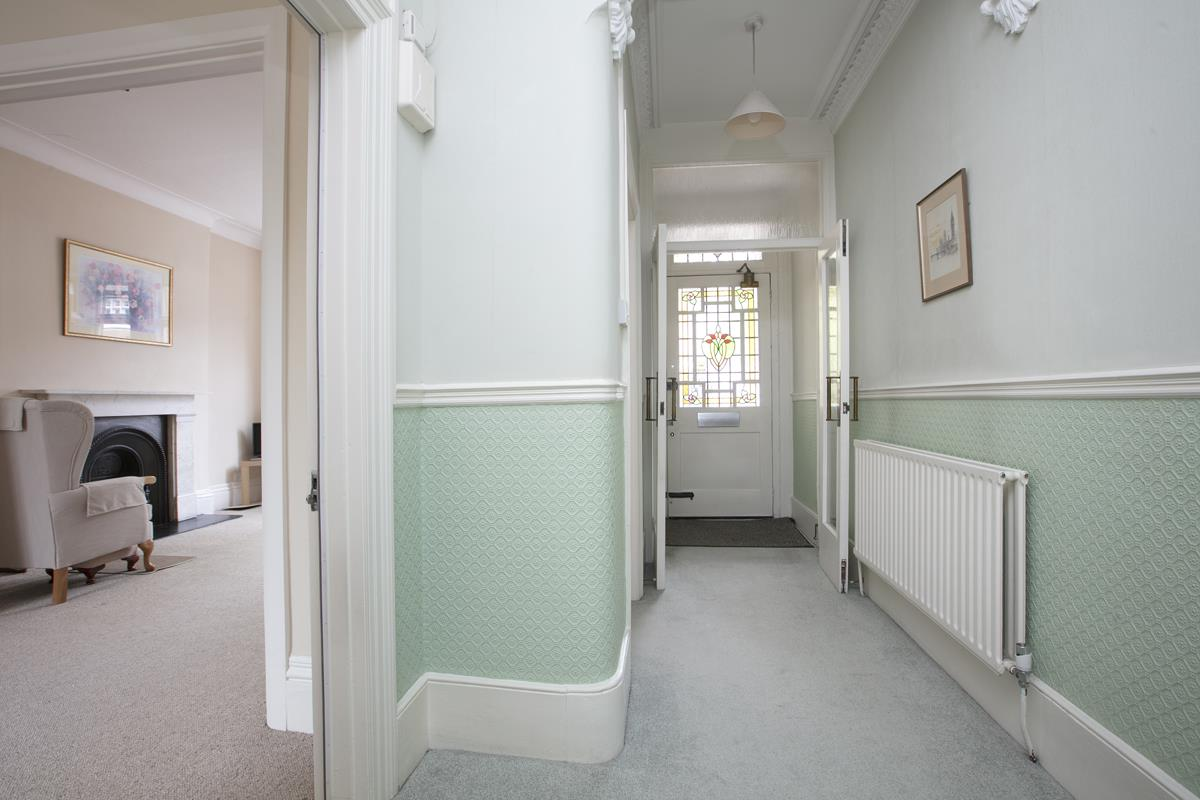 House - Semi-Detached For Sale in Grove Park, SE5 317 view9