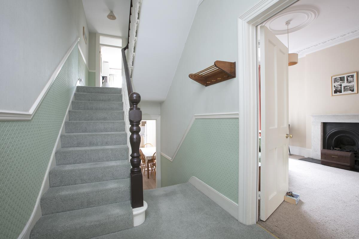 House - Semi-Detached For Sale in Grove Park, SE5 317 view8