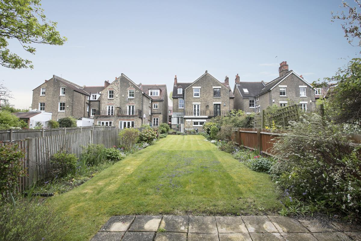 House - Semi-Detached For Sale in Grove Park, SE5 317 view30
