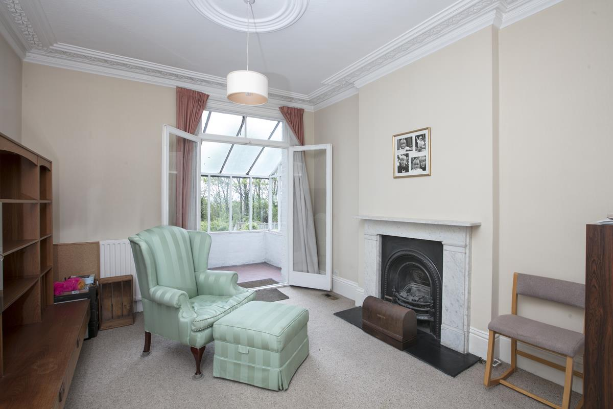 House - Semi-Detached For Sale in Grove Park, SE5 317 view6