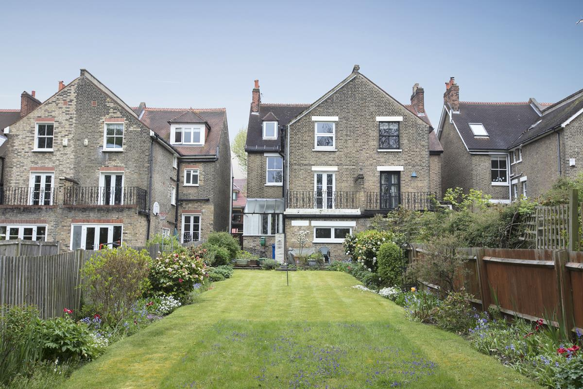House - Semi-Detached For Sale in Grove Park, SE5 317 view3