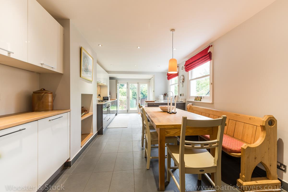 House - Semi-Detached Sale Agreed in Grove Park, SE5 333 view13