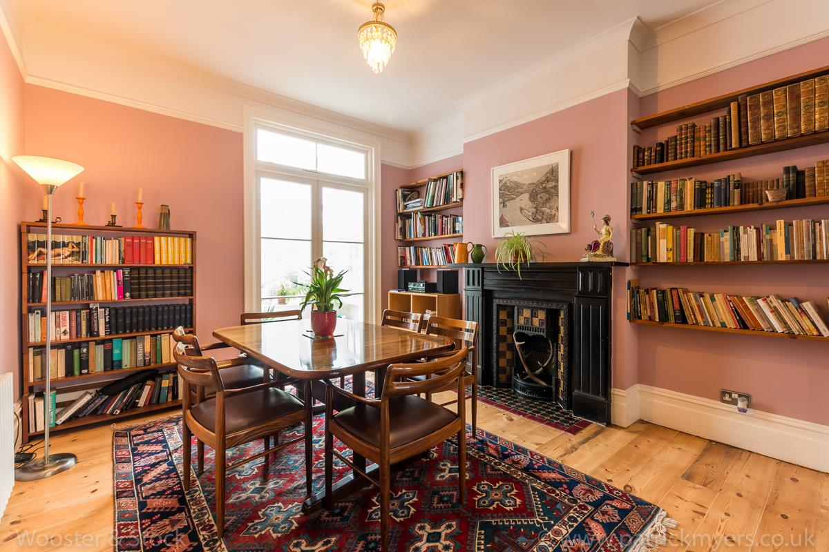 House - Semi-Detached Sale Agreed in Grove Park, SE5 333 view9