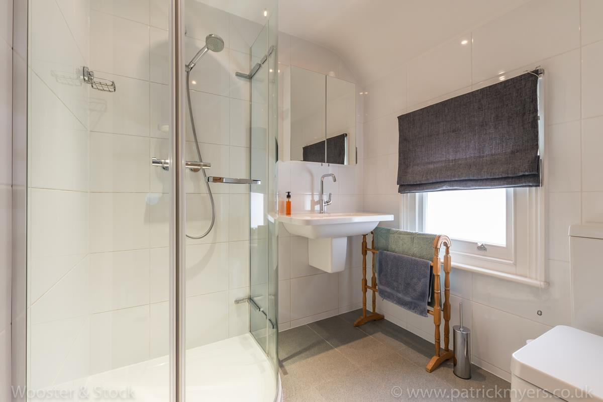 House - Semi-Detached Sale Agreed in Grove Park, SE5 333 view27