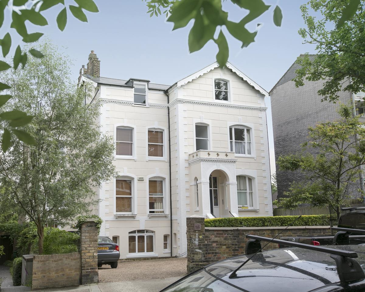 Flat - Conversion For Sale in Grove Park, SE5 336 view1