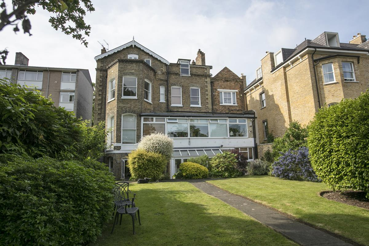 Flat - Conversion For Sale in Grove Park, SE5 336 view12