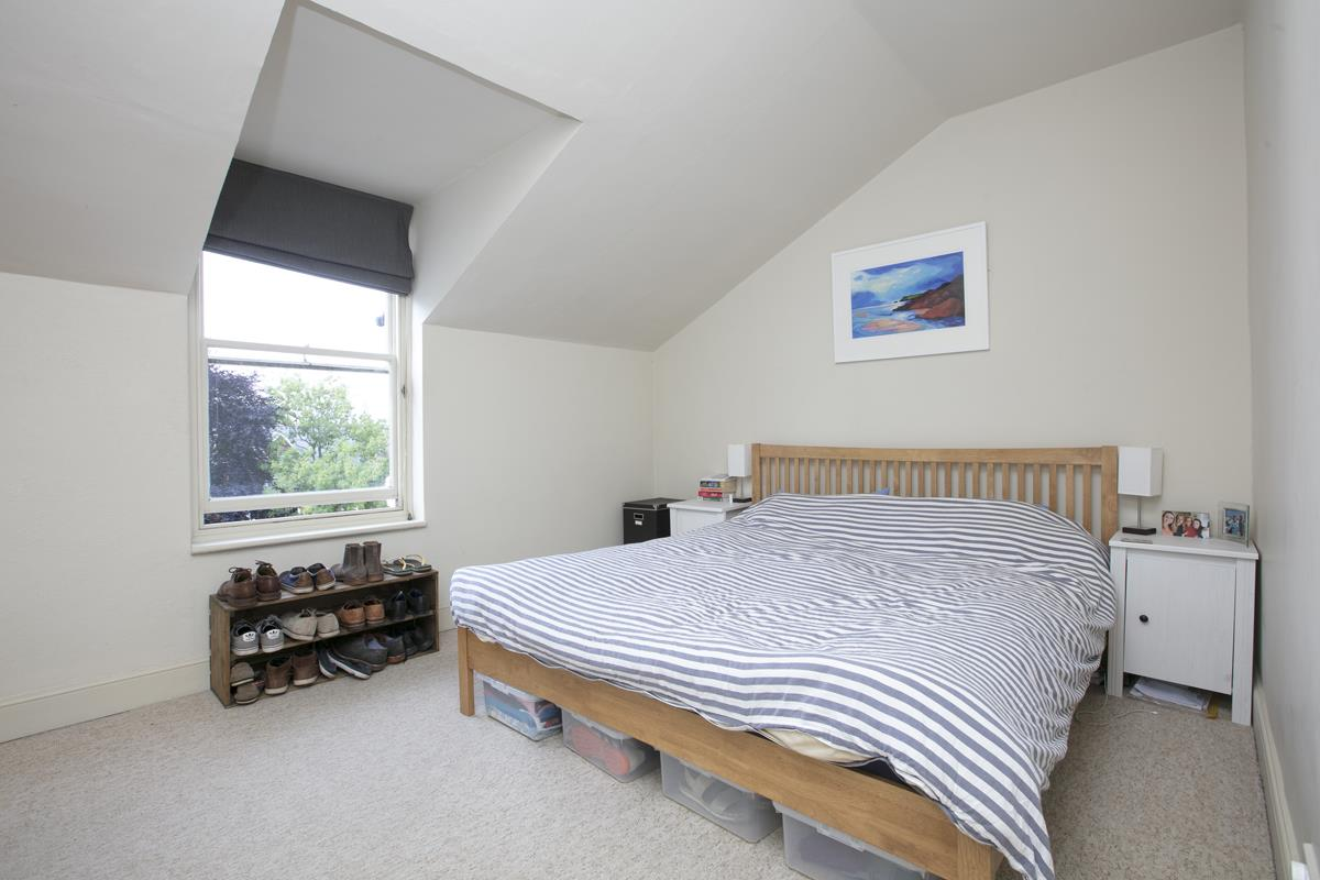 Flat - Conversion For Sale in Grove Park, SE5 336 view8