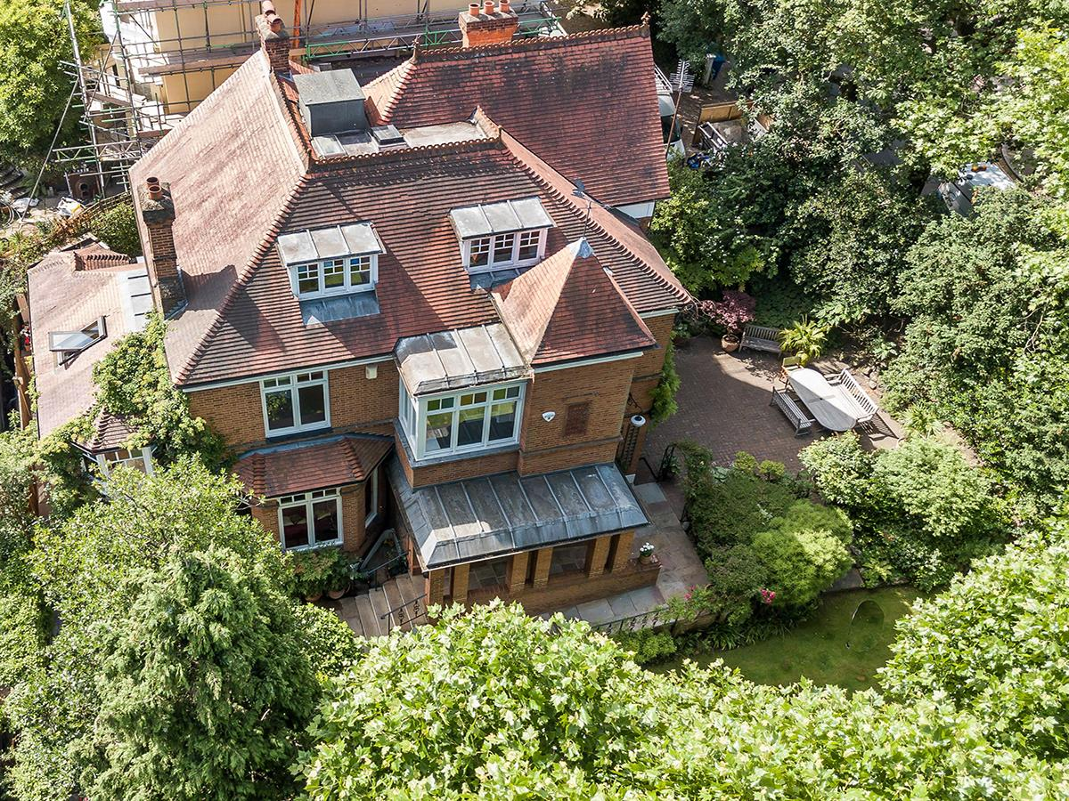 House - Detached For Sale in Grove Park, SE5 356 view29