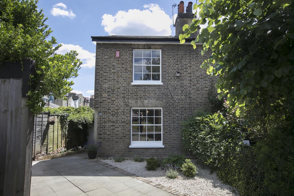 House - Semi-Detached For Sale in Halifax Street, SE26 350 view34
