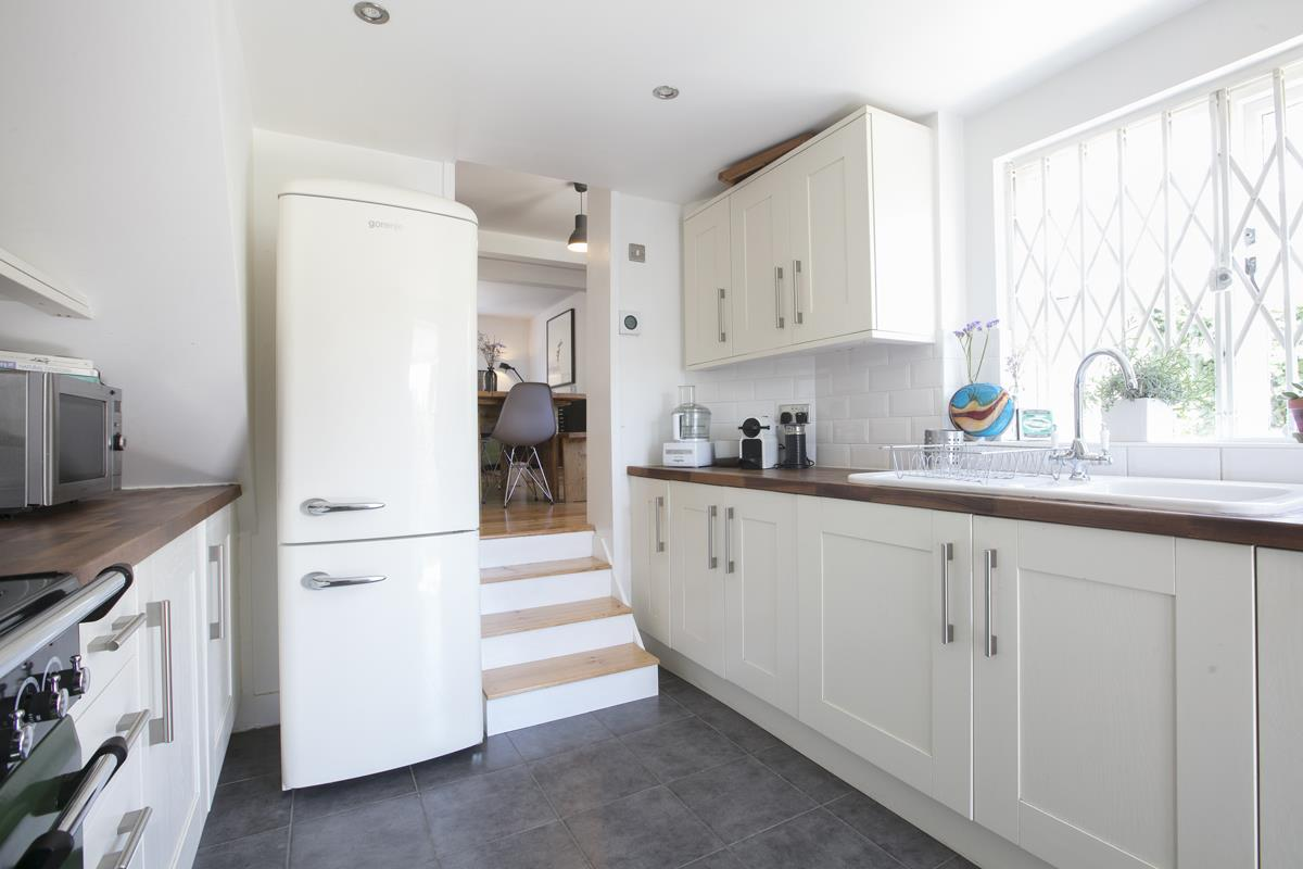 House - Semi-Detached For Sale in Halifax Street, SE26 350 view21