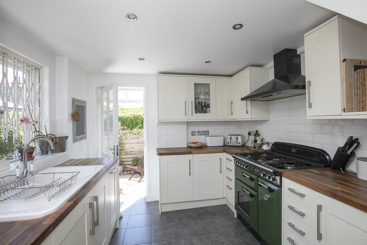 House - Semi-Detached For Sale in Halifax Street, SE26 350 view4