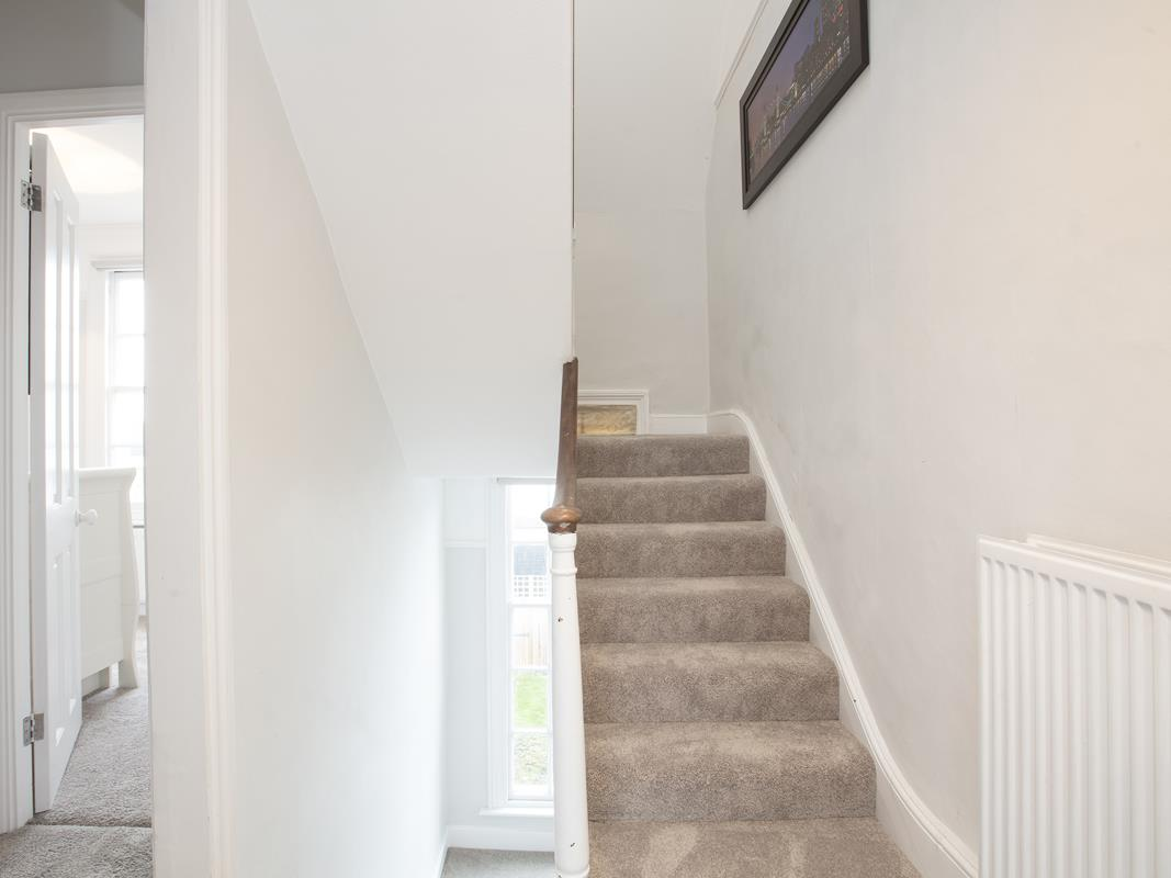 House - End Terrace For Sale in Halifax Street, SE26 369 view12
