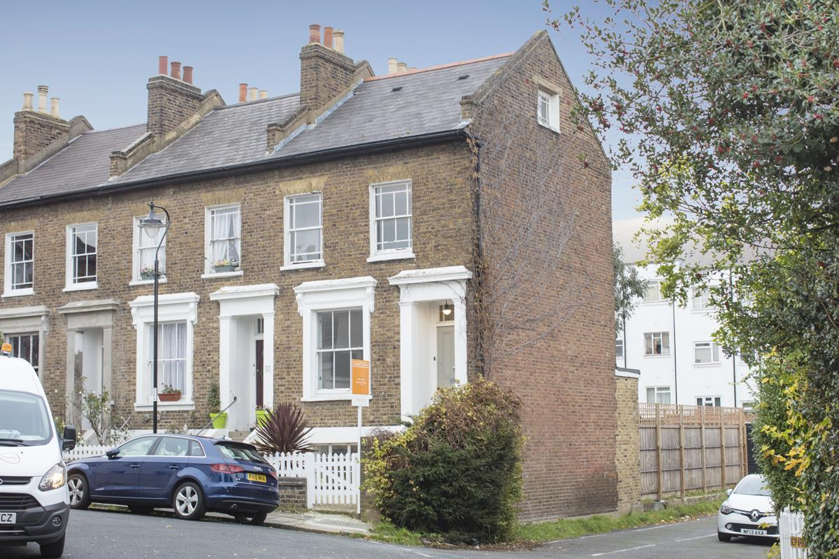 House - End Terrace For Sale in Halifax Street, SE26 369 view1