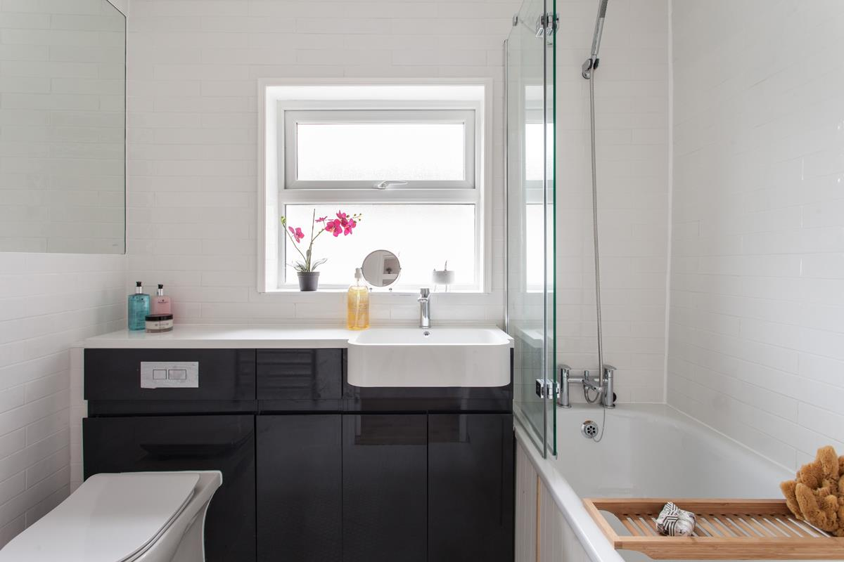 House - Terraced For Sale in Hollydale Road, SE15 340 view11