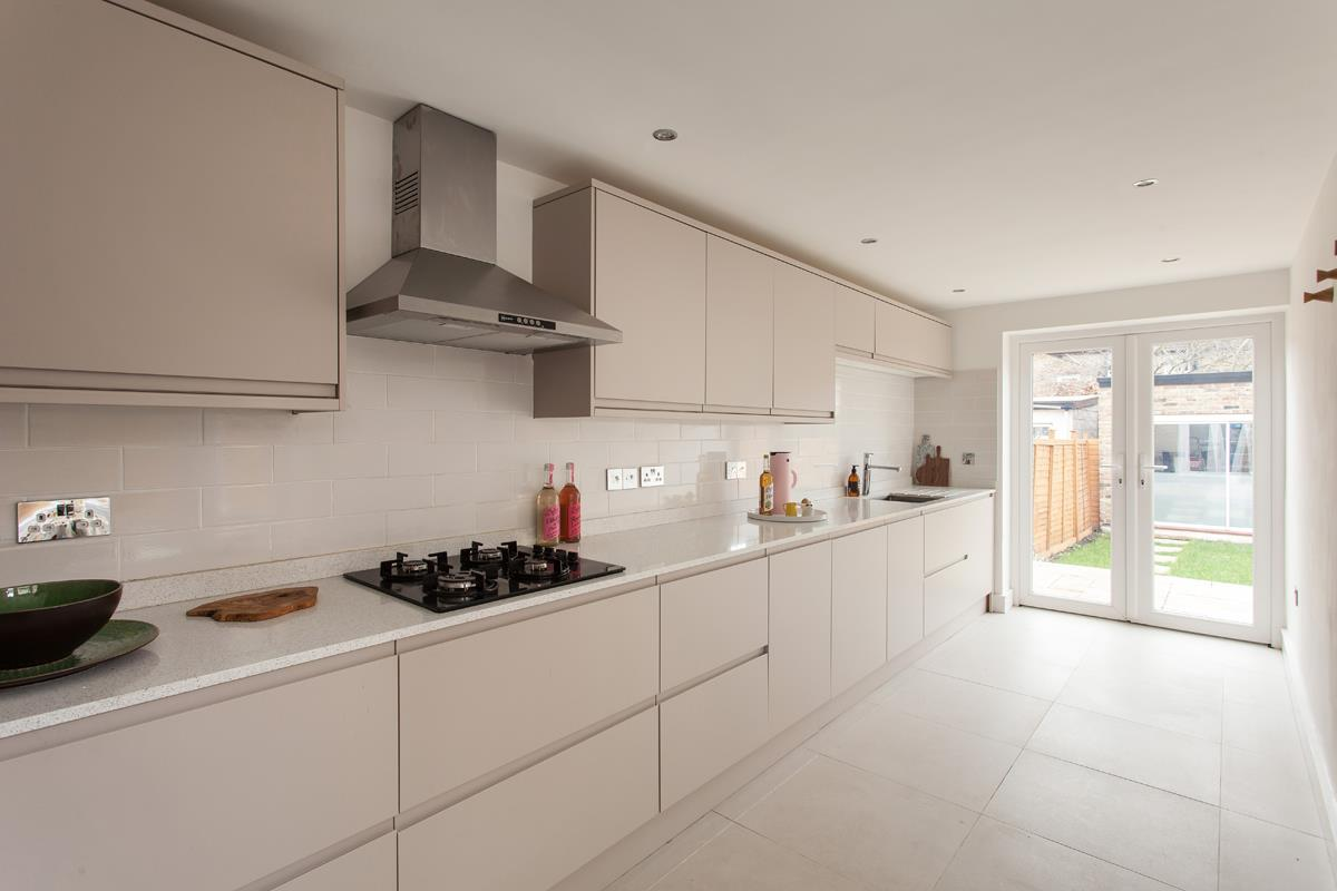 House - Terraced For Sale in Hollydale Road, SE15 340 view8