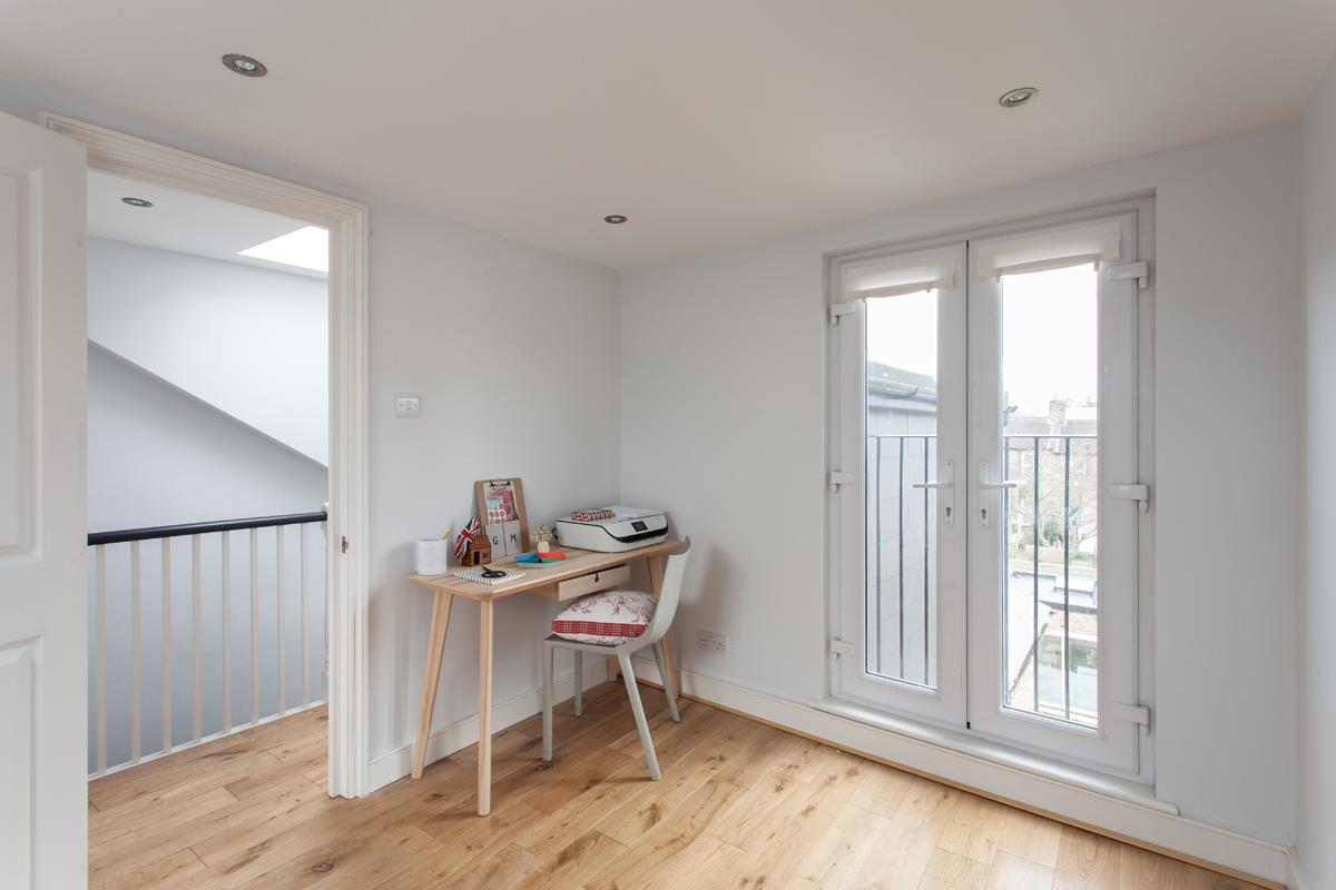 House - Terraced For Sale in Hollydale Road, SE15 340 view14