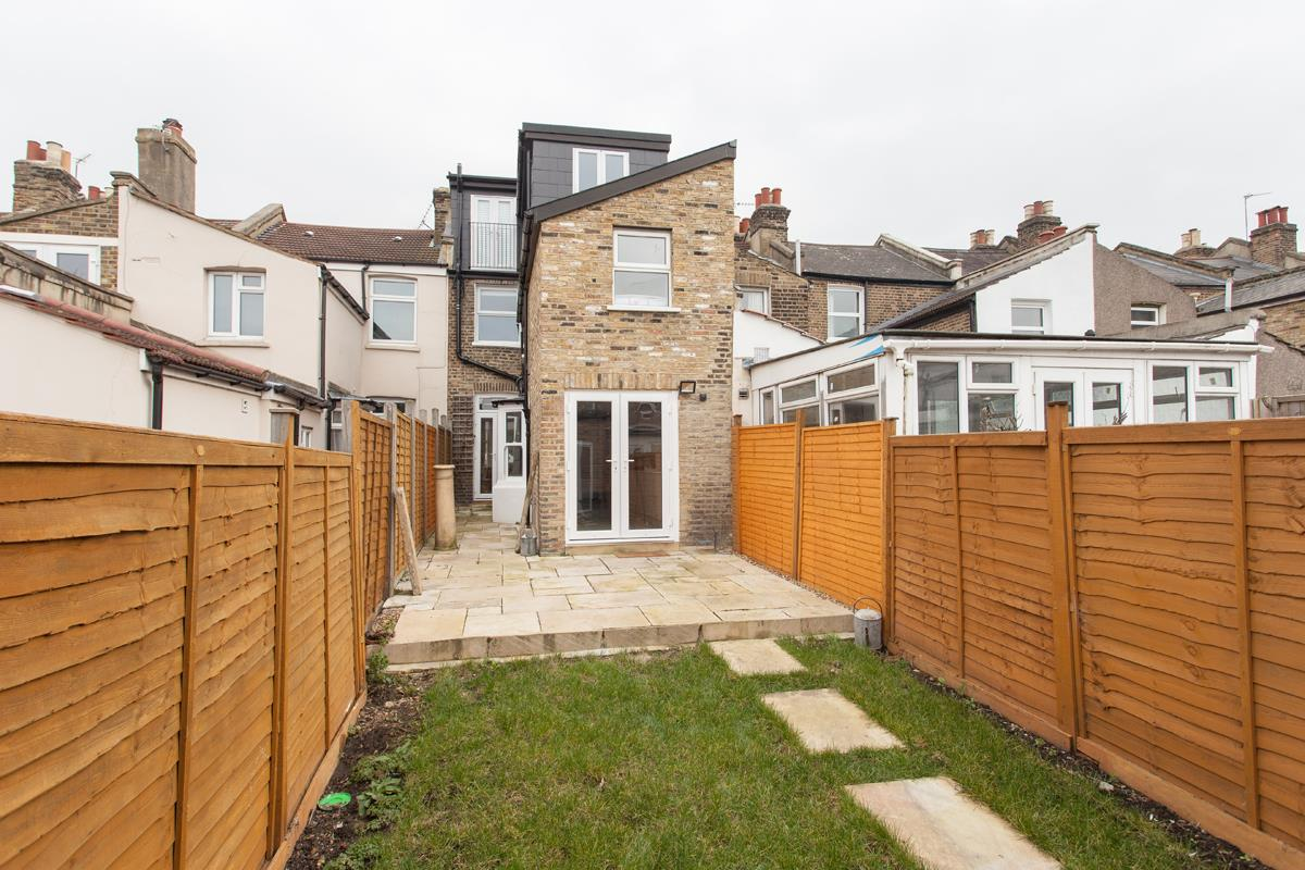 House - Terraced For Sale in Hollydale Road, SE15 340 view19