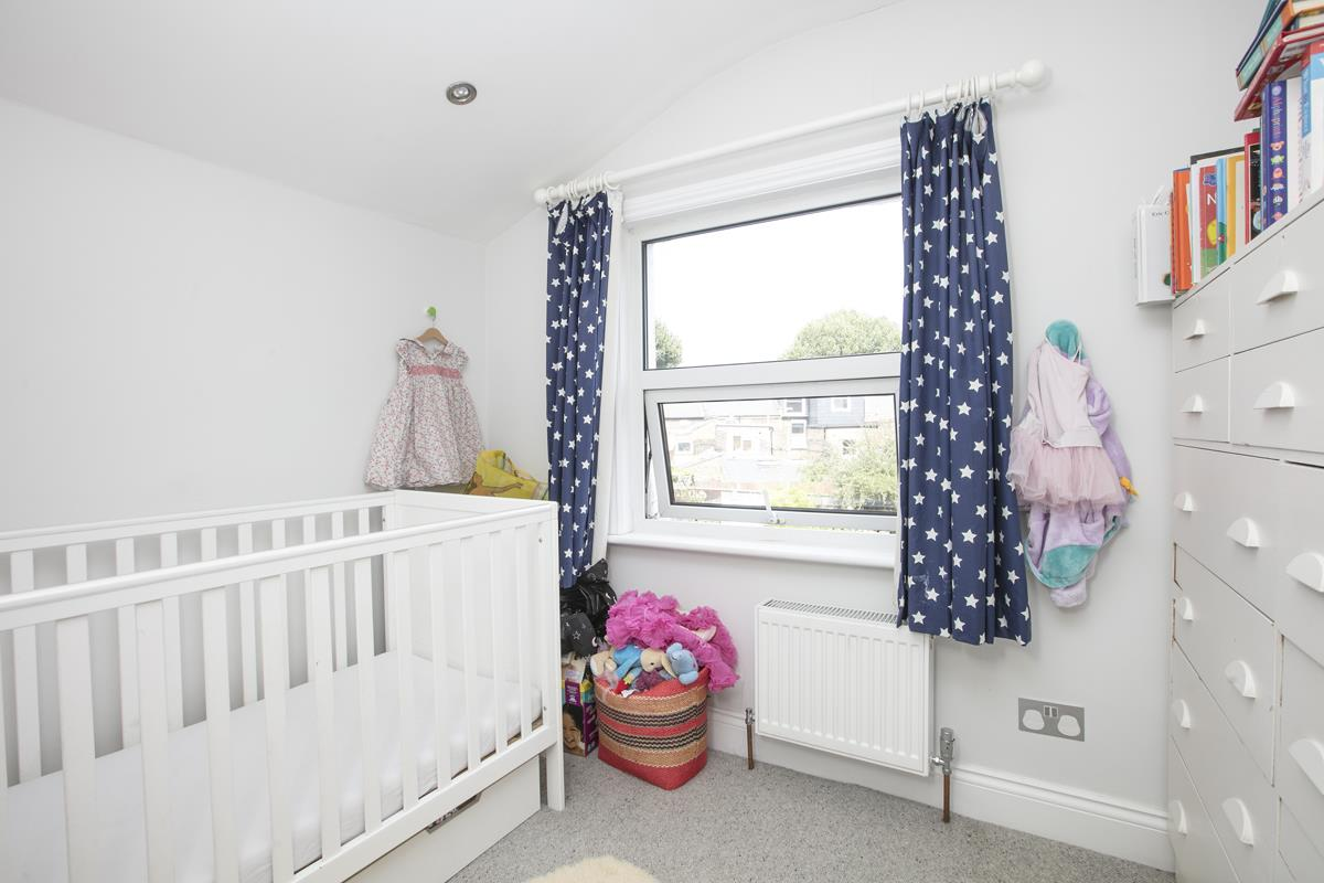 House - Terraced For Sale in Howbury Road, SE15 366 view15