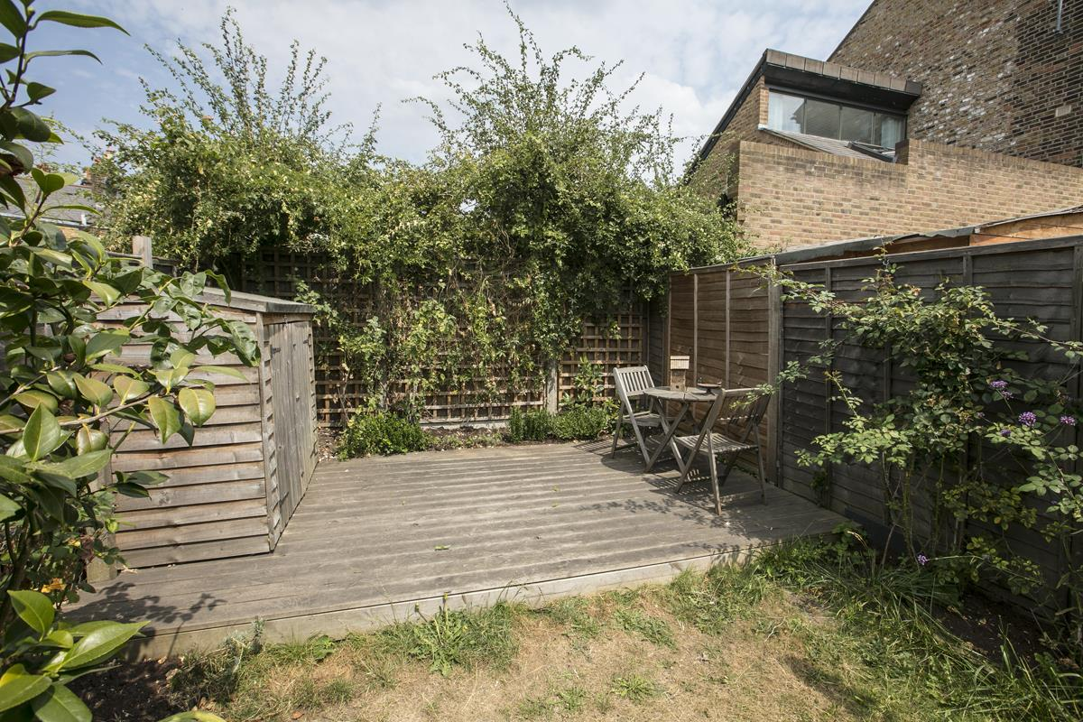 House - Terraced For Sale in Howbury Road, SE15 366 view17