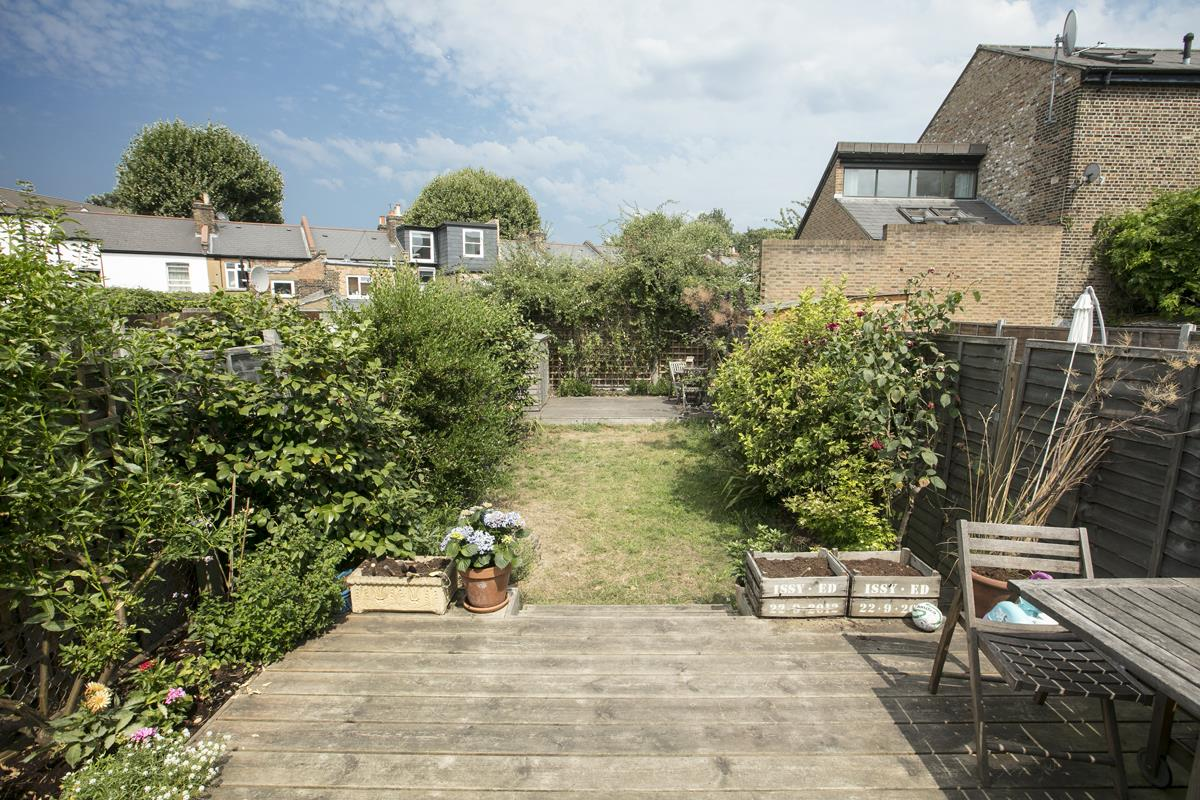 House - Terraced For Sale in Howbury Road, SE15 366 view2