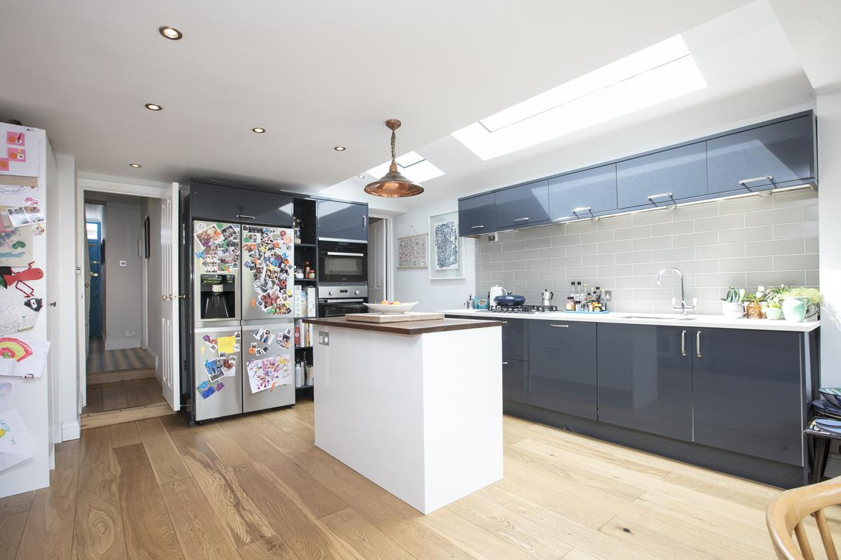 House - Terraced For Sale in Howbury Road, SE15 366 view7