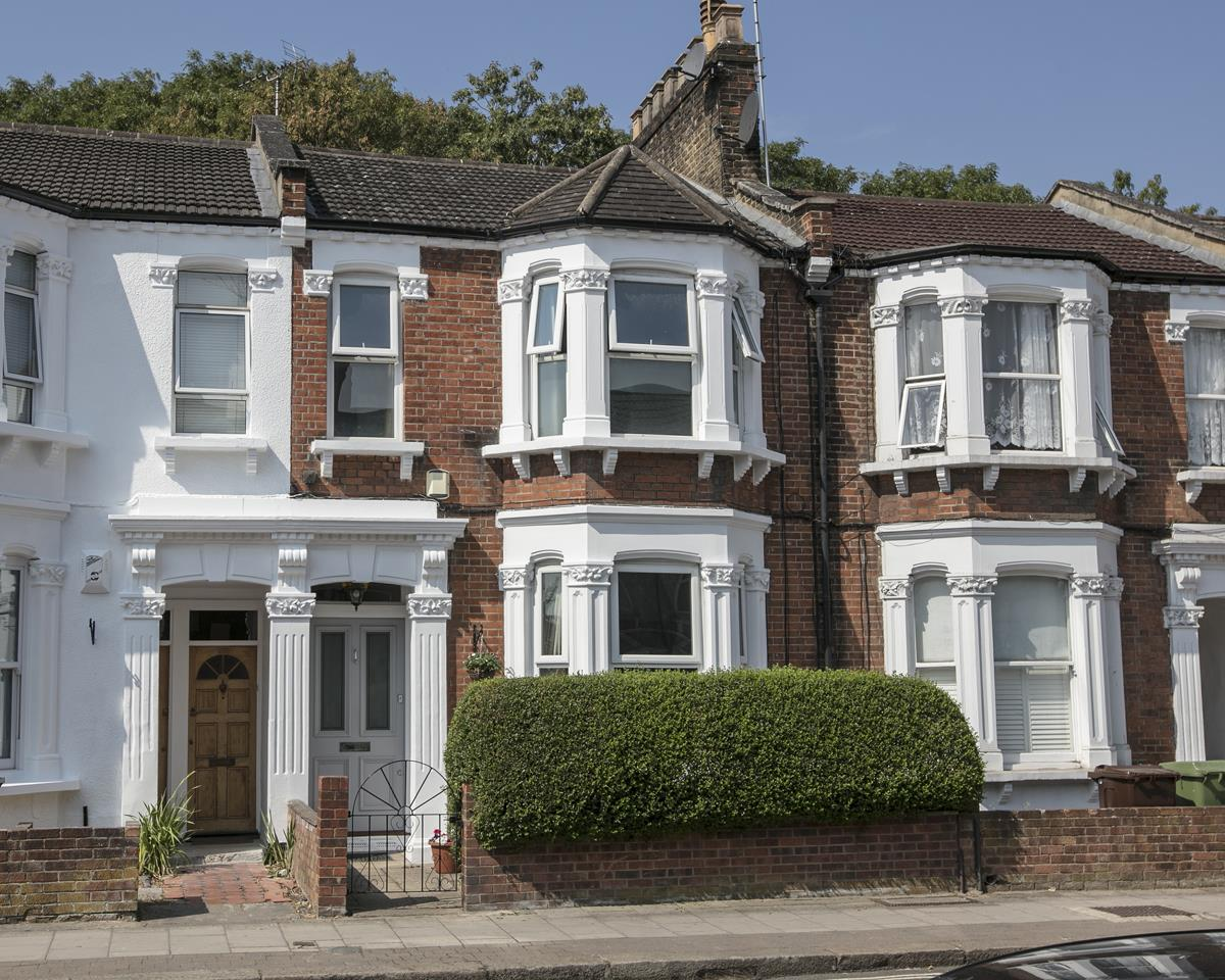 House - Terraced For Sale in Ivydale Road, SE15 365 view1
