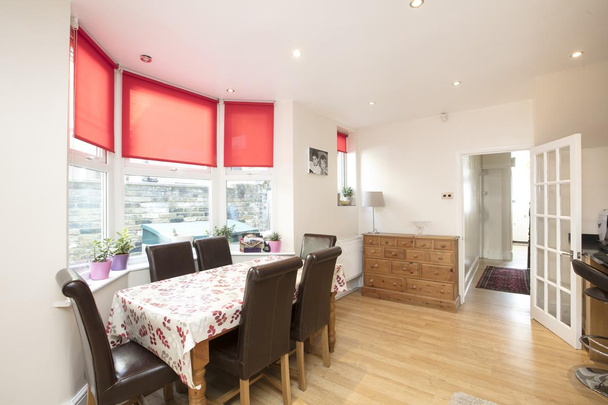 House - Terraced For Sale in Ivydale Road, SE15 365 view9