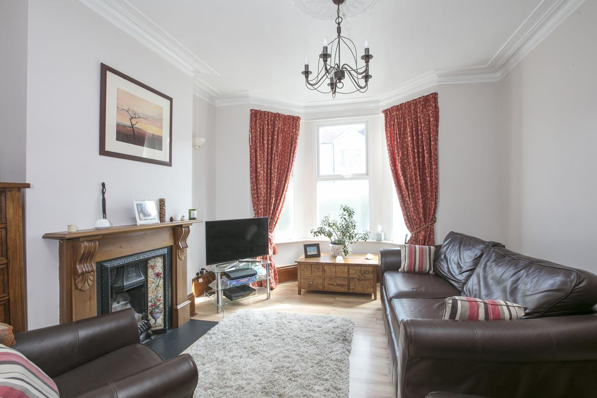House - Terraced For Sale in Ivydale Road, SE15 365 view2