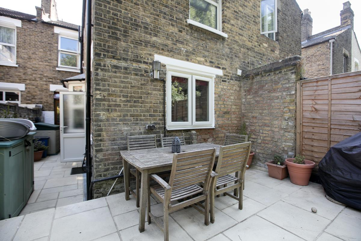 House - Terraced For Sale in Ivydale Road, SE15 365 view11