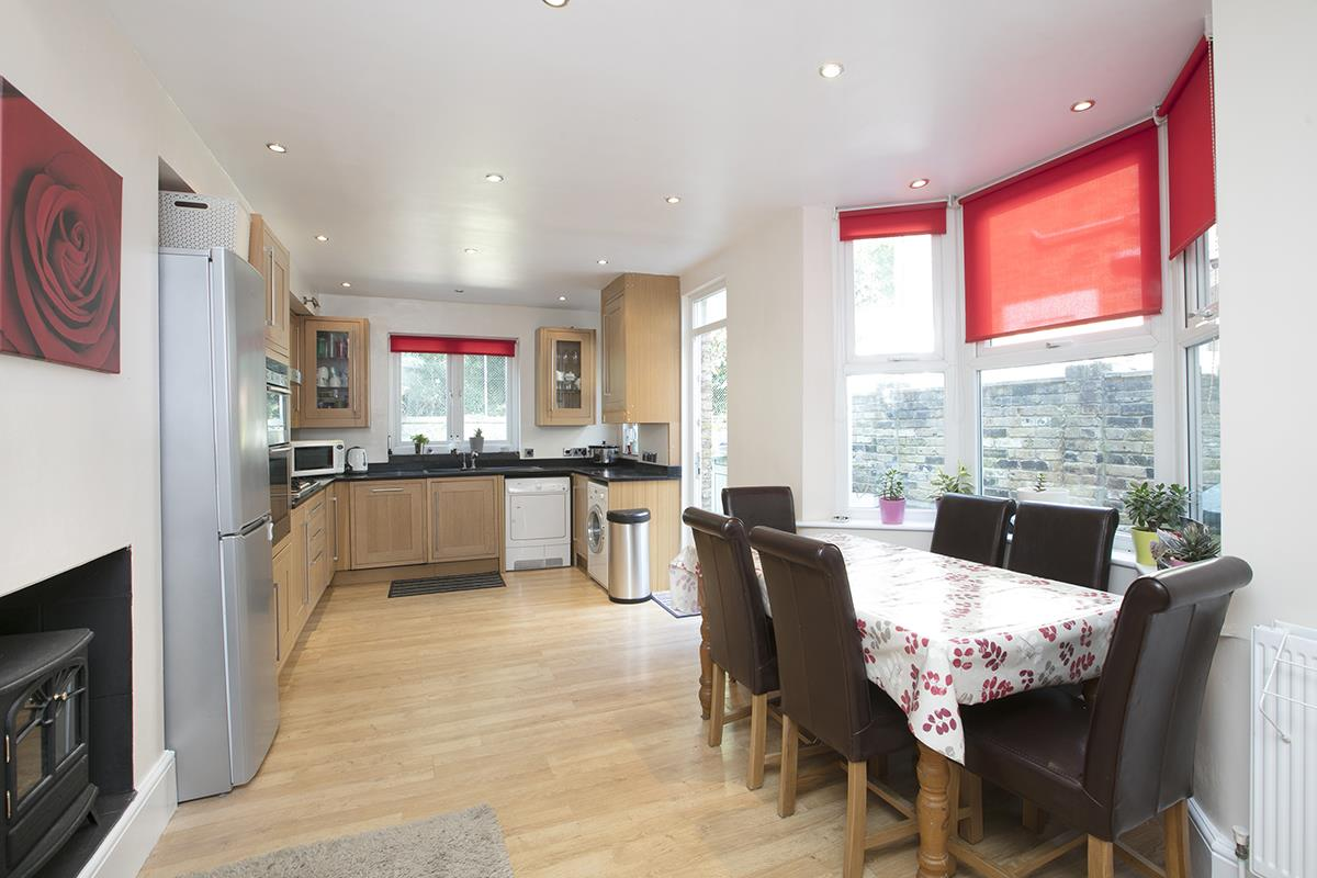 House - Terraced For Sale in Ivydale Road, SE15 365 view6