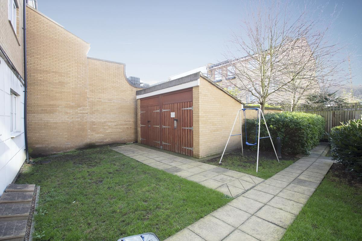 Flat - Purpose Built Sale Agreed in Lynbrook Grove, SE15 253 view9