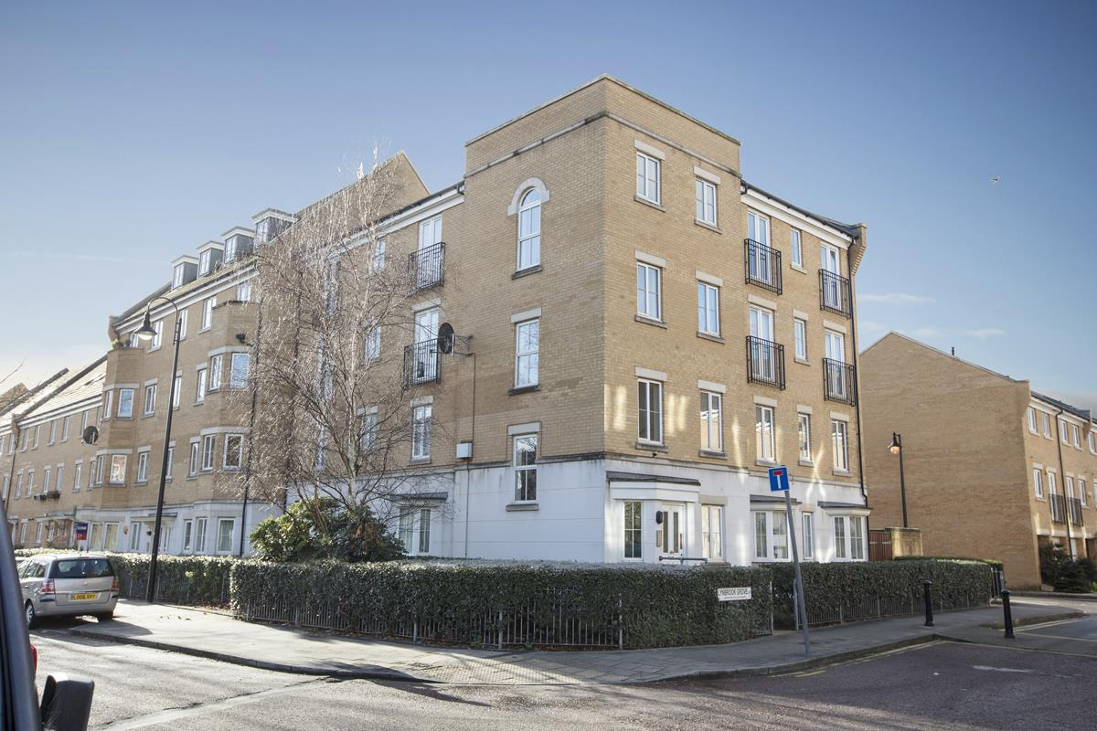 Flat - Purpose Built Sale Agreed in Lynbrook Grove, SE15 253 view1