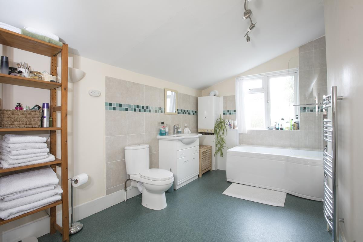 House - Terraced Sold in Machell Road, SE15 289 view11