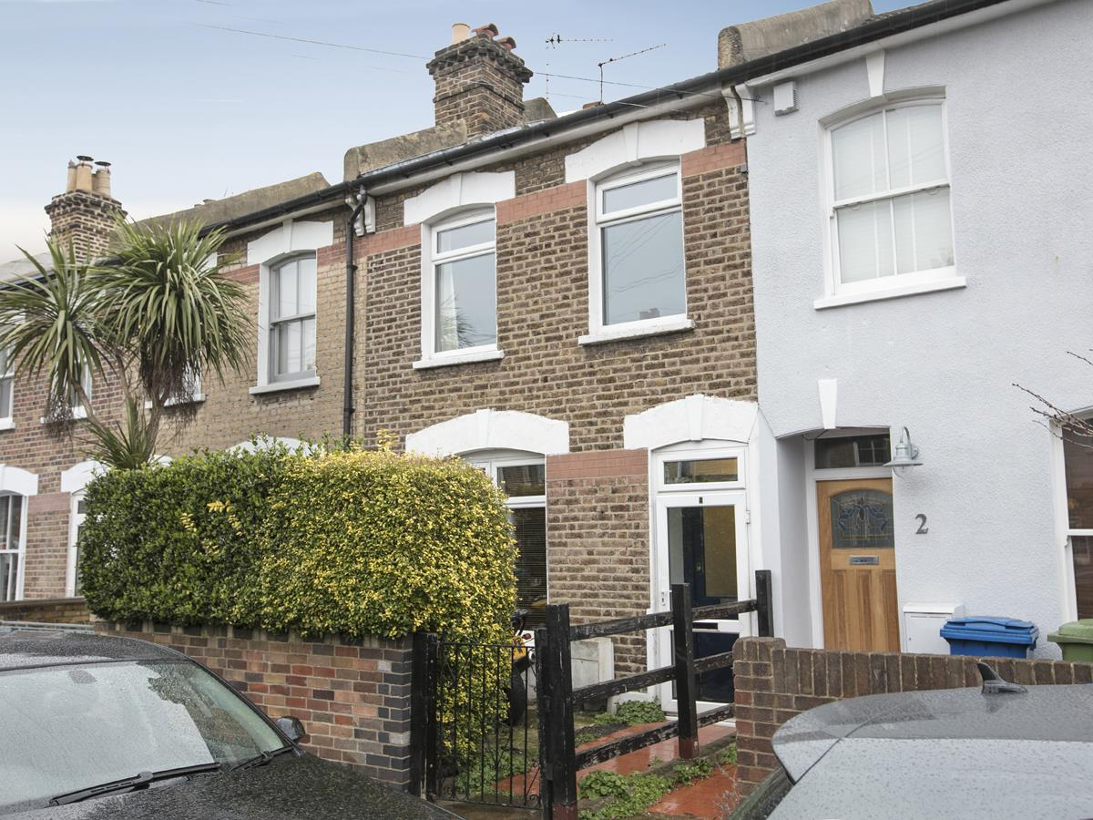 House - Terraced Sold in Machell Road, SE15 289 view1