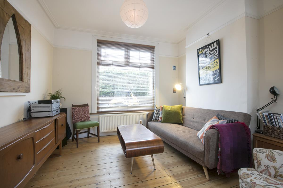 House - Terraced Sold in Machell Road, SE15 289 view2