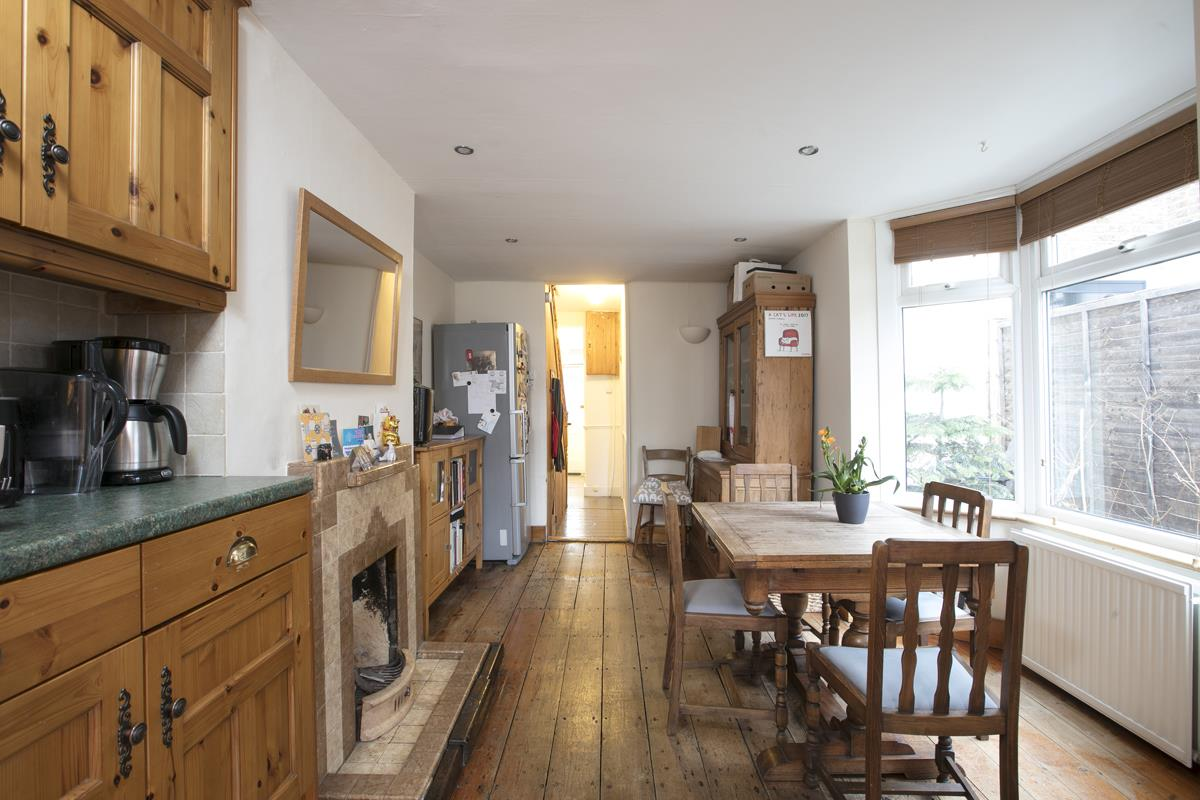 House - Terraced Sold in Machell Road, SE15 289 view10