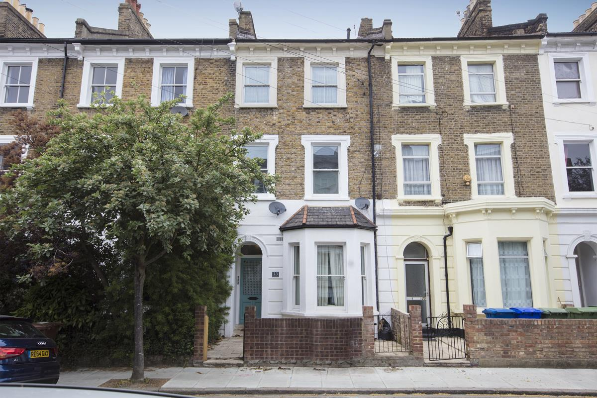 Flat - Conversion Sale Agreed in Maude Road, SE5 331 view1
