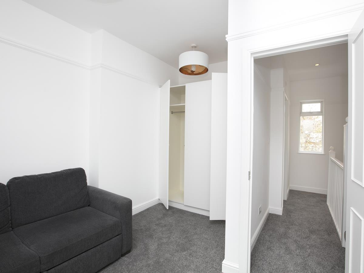 House - Terraced Sold in New Church Road, SE5 301 view6