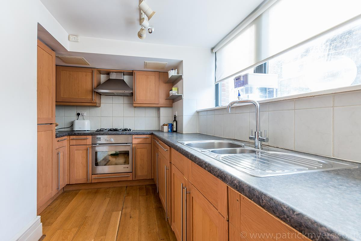 Flat/Apartment Sale Agreed in Peckham Road, SE5 44 view7