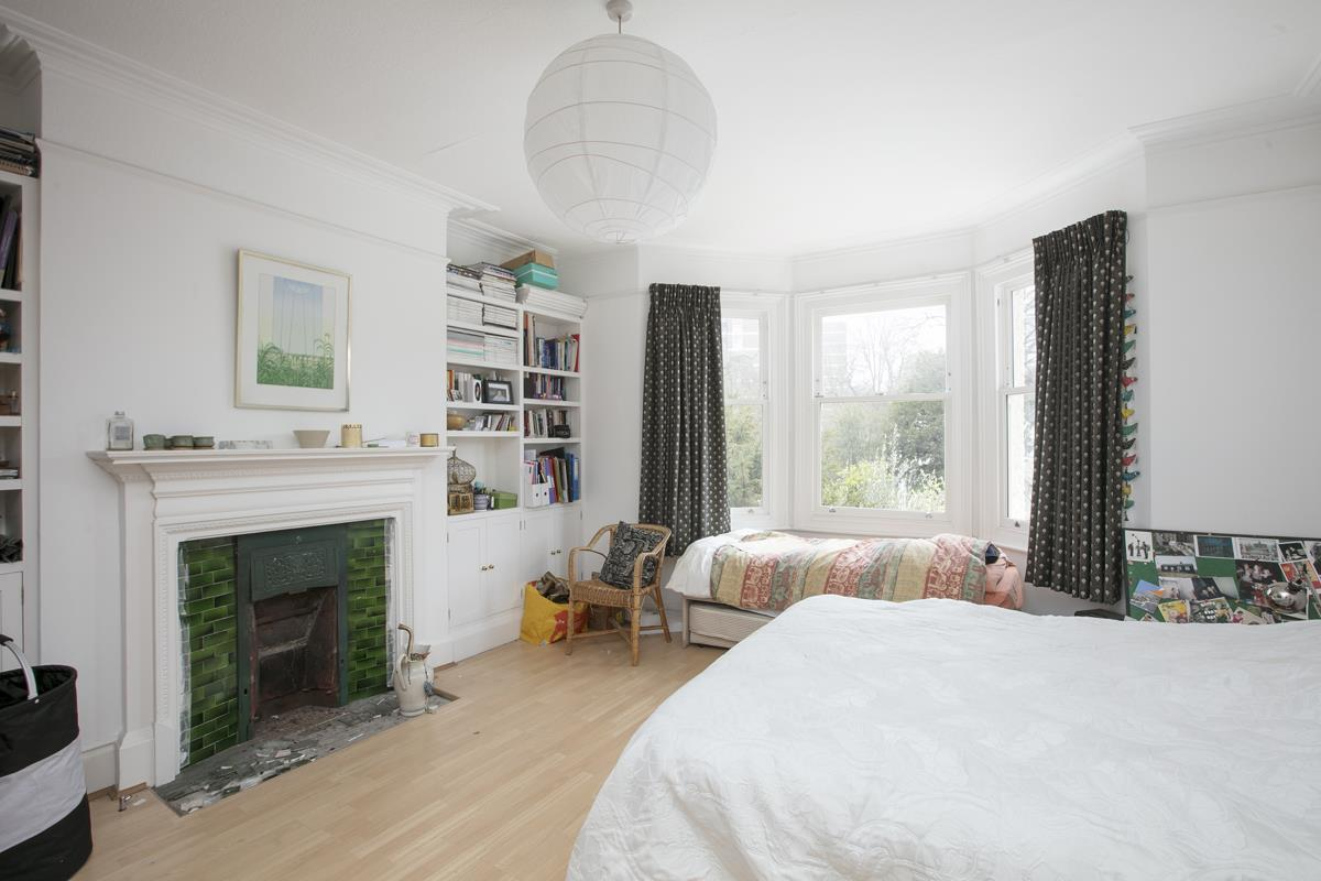 House - Semi-Detached For Sale in Perry Vale, SE23 302 view11