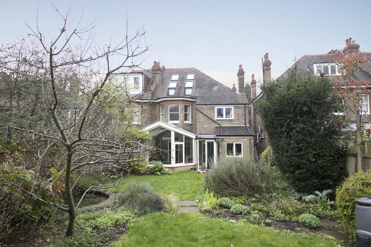 House - Semi-Detached For Sale in Perry Vale, SE23 302 view1