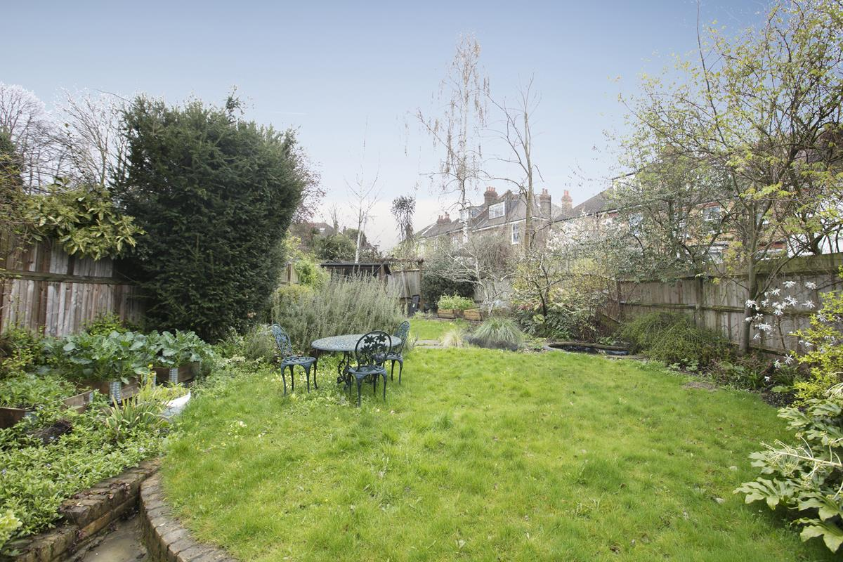 House - Semi-Detached For Sale in Perry Vale, SE23 302 view9
