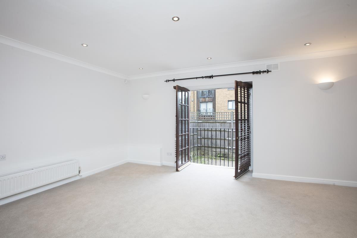 Flat - Conversion For Sale in Regal Row, SE15 363 view4