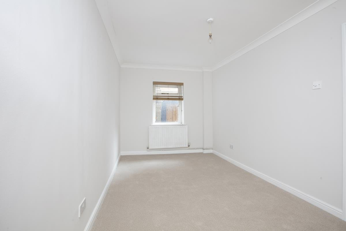 Flat - Conversion For Sale in Regal Row, SE15 363 view6
