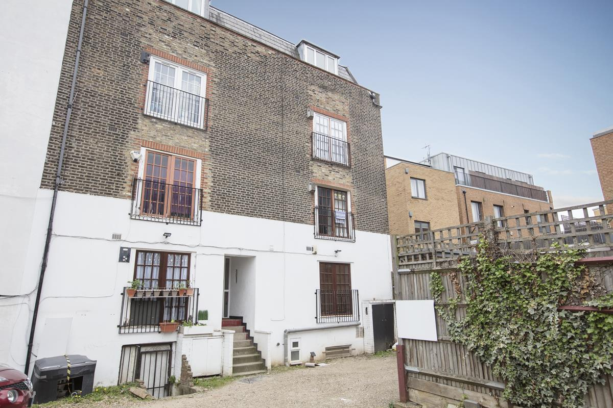 Flat - Conversion For Sale in Regal Row, SE15 363 view2