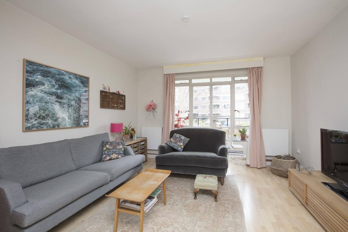 Flat - Purpose Built Sold in Ruskin Park House, Champion Hill, SE5 276 view6