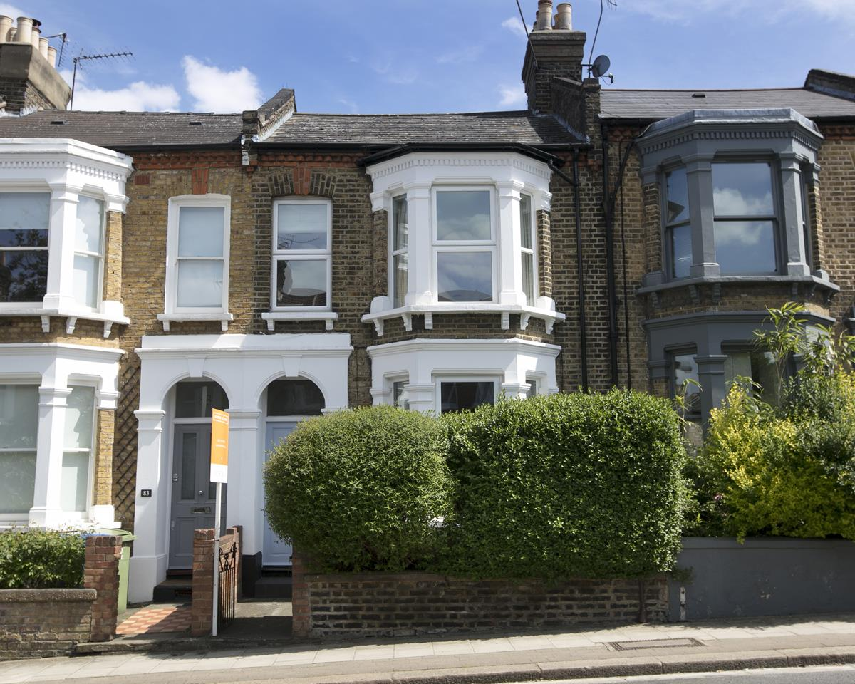 House - Terraced Sale Agreed in Shenley Road, SE5 254 view1